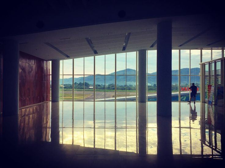Airport morning waiting flight : Komodo Bali Jakarta #travel #traveler #airport #komodoairport #indonesia #fb #li