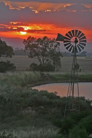 Sunset at Baan Baa- Located approximately 30km North West of Boggabri on the Kamilaroi Highway, Baan Baa had early beginnings as a squatting run.