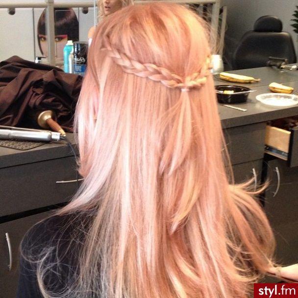 pastel peach hair