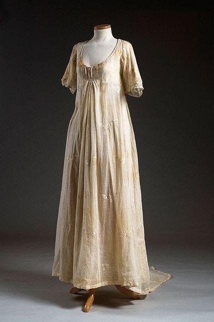 1806 Cotton muslin dress. Sarah Elizabeth Ellison wore this dress when she married James Adger in Winnsboro, SC, in 1806.
