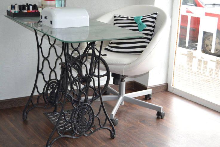 Como hacer mesa manicura buscar con google nails - Decorar mesa salon ...