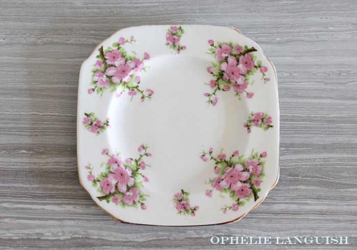orgeous mismatched snack set/trio. Elegant tea cup and saucer in the Snowhite Regency swirl style. White side/dessert/snack plate features beautiful pink peach blossoms and gold trim. Very shabby chic!