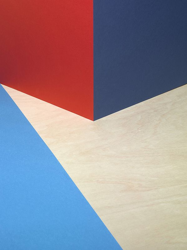 A 3D Space Amazingly Transformed Into 2D Graphics With Just Colorful Paper - DesignTAXI.com