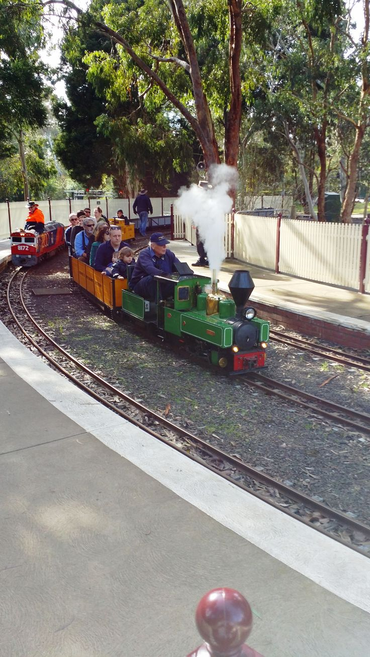 Great family day out, Diamond Valley Miniature Railway http://www.melbournetouristguide.com/melbourne/51-a-tourist-guide-of-melbourne