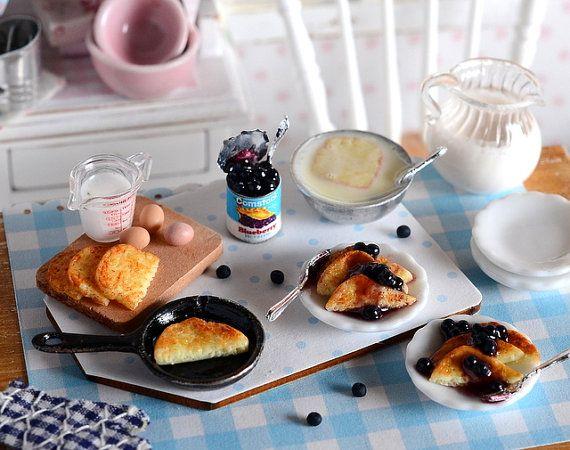 Miniature Making Blueberry French Toast por CuteinMiniature en Etsy