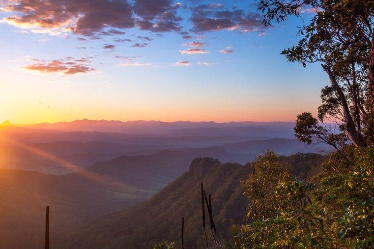 #Beautiful sunset over the gorgeous mountain ranges at O'Reilly's Rainforest in Lamington National Park. #Nature #travelling #Photography !