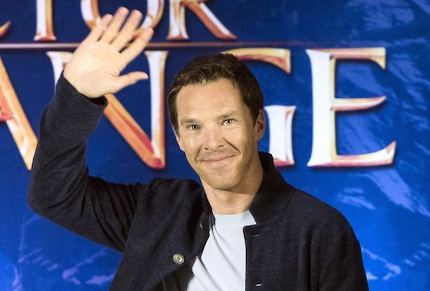 Marvel-ous breaking news:Benedict Cumberbatchis set to hostSaturday Night Live. TV'sSherlock —who can nextbe seen on the big screen inMarvel's Doctor Strange —will emcee SNL onNov. 5, NBC announced during this weekend's show. Solange Knowleswill serve as the musical guest. SNLwill be taking