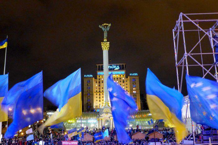 A #Kiev i manifestanti respingono l'accordo e tornano in piazza
