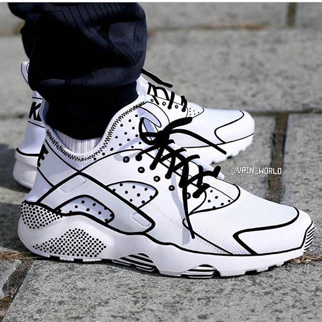 b0678ff0b8c6b Doodlebob Huaraches   FIRE!!!! in 2019   Sneakers, Sneakers fashion ...