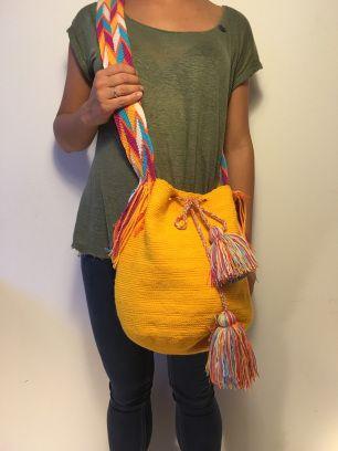 Gele Mochila #schoudertas #Colombia #Wayuu #fairtrade www.hippybag.nl