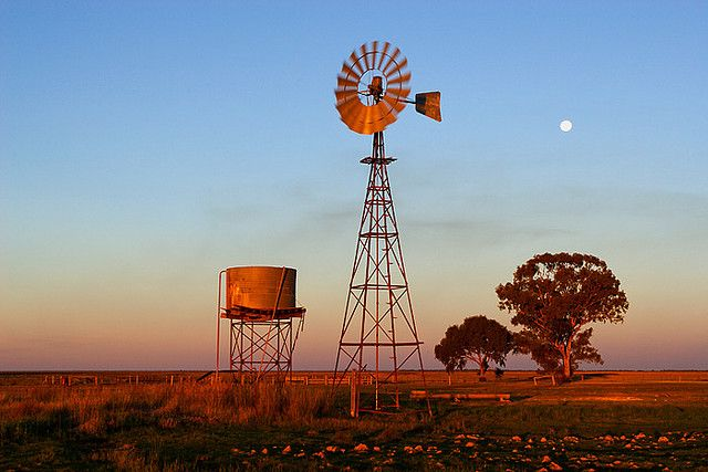 windmill photos | ... , Australia, Newell Highway, windmill…