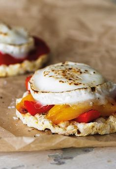 Grilled Goat's Cheese and Roasted Peppers on Corn Cakes - Rice cakes for lunch? Try these tasty topping ideas