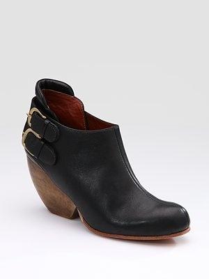 Rachel Comey barbaro buckle boots: Comey Barbaro, Comey Boots, Rachel Comey, Comey Ankle, Ankle Booty, Ankle Boots, Fall Boots, Comey Booty, Buckles Boots