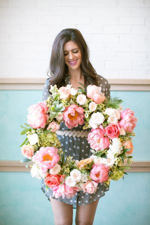 Having just planned my little sister's bridal shower I can safely say that pulling off a gorgeous, love filled day is not a cake walk. But loads of inspiration and a solid game plan certainly help. So...