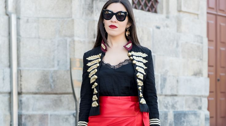 Personal: internet is an edited reality -  #Bag #black #boldearrings #buttons #celine #DarkBlue #Earrings #Gold #Hoop #instagram #internet #Jacket #Leather #life #man #Mango #marta #Military #Minusey #Red #Shoes #Skirt #style #Sunglasses #Tips #uterque #zara