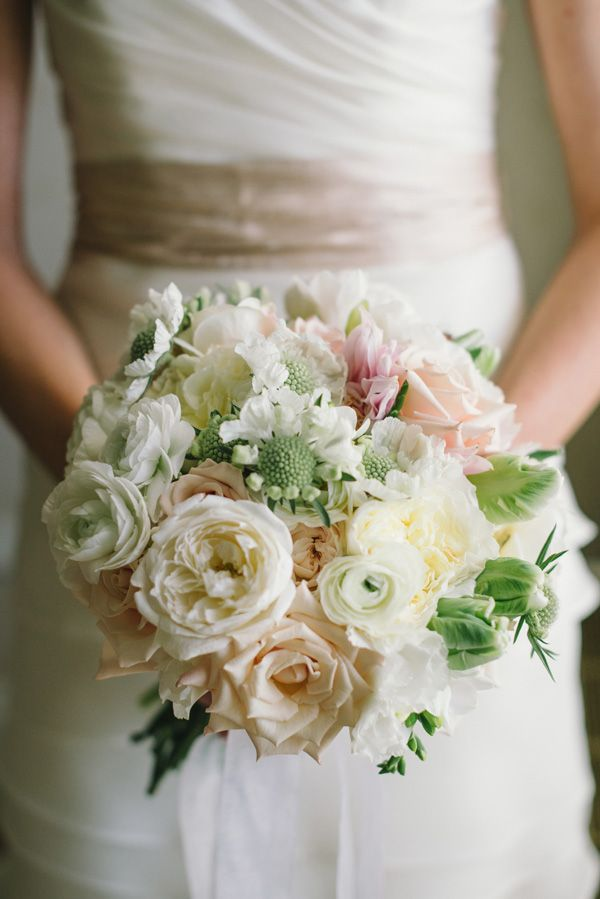 classic wedding bouquet // photo by Delbarr Moradi // flowers by Laura Miller Design