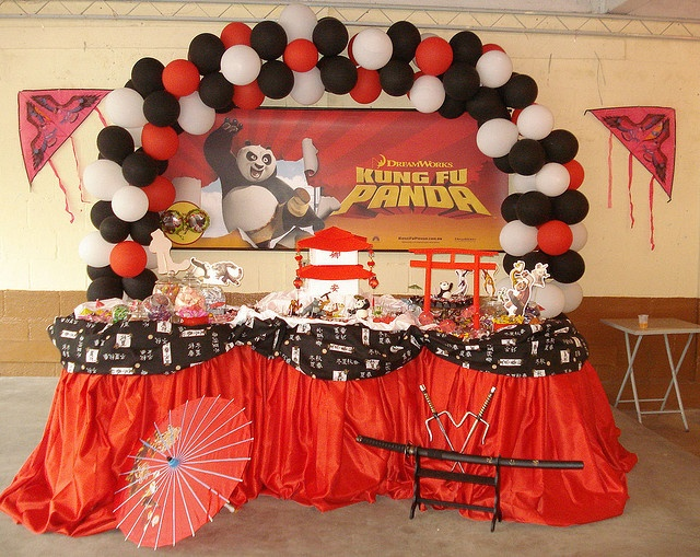 Kung fu panda birthday party by Fabricio Marvel, via Flickr