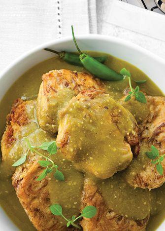 Consiente a todos en casa y prepara unas ricas tortitas de carne en salsa verde. ¡Fácil y rápido! Receta de tortas de carne en salsa verde.