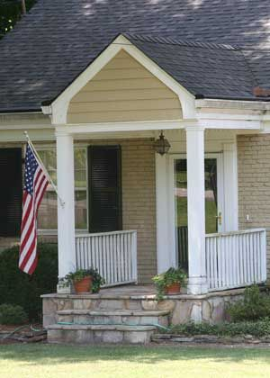 pictures of small front porches | Small porch with great appeal
