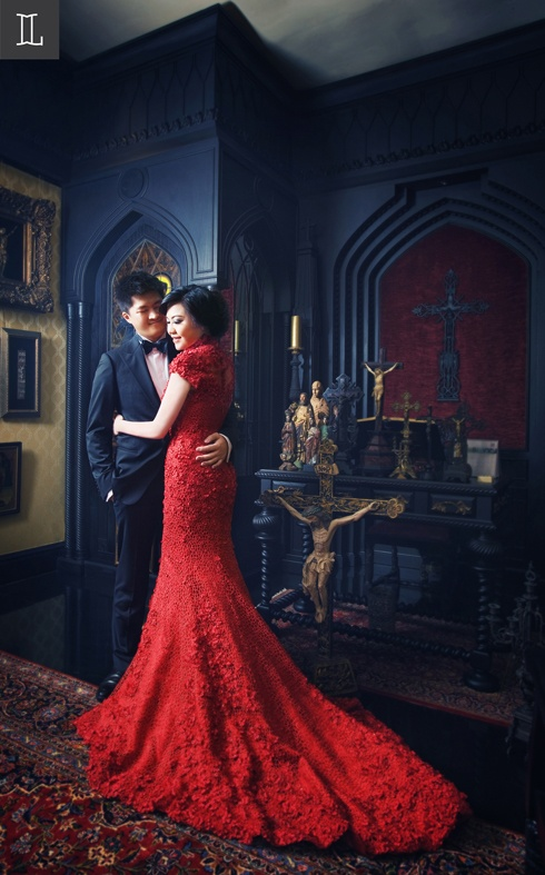 Astonished Beauty #prewedding #photo #portrait #red #nuance #theme #inspiration