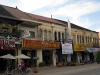 Houses in Battambang (watch my travelblog: http://ramingodentro.blogspot.it/2013/02/indocina-parte-6-battambang-e-poipet.html)
