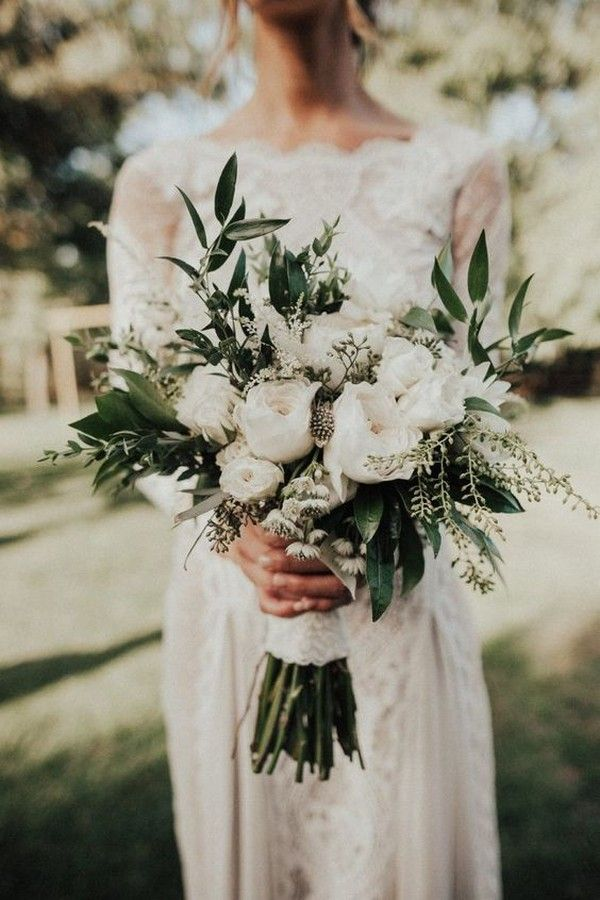 20 Gorgeous and Trendy Greenery Wedding Bouquets