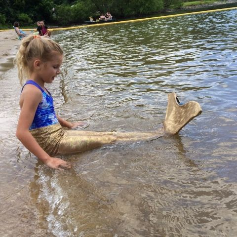 DIY Swimable Mermaid Tail with Monofin Under $12!!! Last year when we were in FL with my husband for work, the kids and I were perusing som...