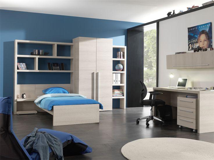 Studentenslaapkamer met grote mogelijkheden zoals extra lange bedden van 210 / 220 cm. en het bed kan ook nog op 120 cm. breed worden geleverd. Matrassen en bodems zijn op alle maten voor ons geen probleem.