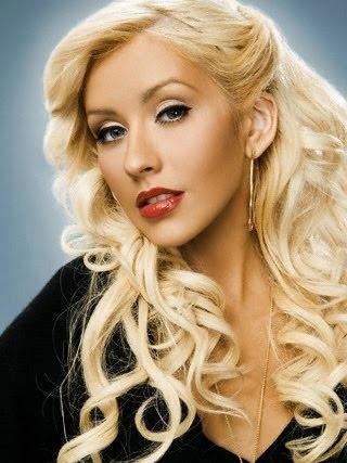 Christina Aguilera (Burlesque)  Love the hair and natural makeup
