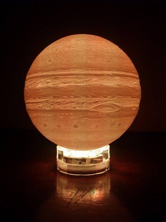 Lampe De Nuit De Planete Jupiter Imprimee En 3d Lampe Lampe De Bureau Moderne L Astrologie Cadeau Pour Elle Lui Systeme Solaire Creche Espace Theme Lampe Tipps