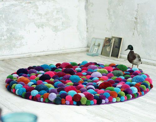 Tutorial for colorful pom pom rug