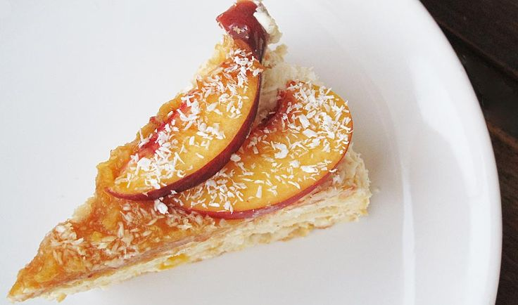 Tort de piersici cu crema de iaurt si mascarpone (fara zahar)