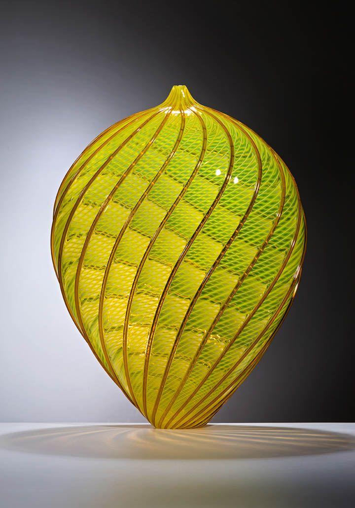 http://www.stravagante-jewelry.com Lino Tagliapietra - Murano glass master. http://www.stravagante-jewelry.com