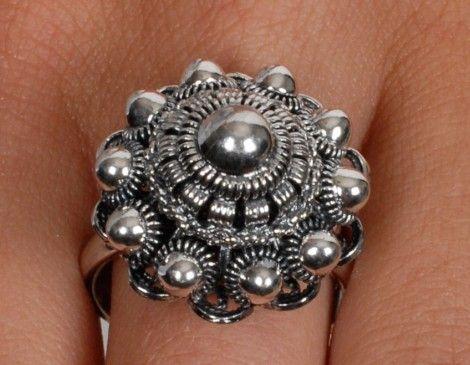 Zilveren ring met Zeeuwse knop 21mm | http://www.dallure.nl/winkel/product/zilveren-ring-met-zeeuwse-knop-21mm/