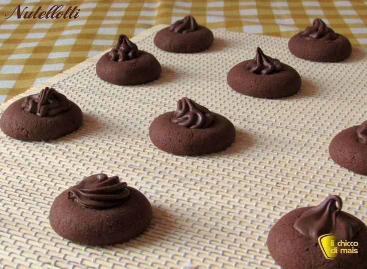 Nutellotti, biscotti alla nutella (ricetta facile). Ricetta facile e veloce dei biscotti morbidi alla nutella, con foto passo passo (anche senza glutine)