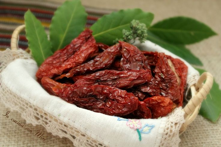 #gialloblogs #ricetta #foodporn #calabria Pomodori secchi calabresi | In cucina con Mire
