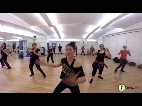 Dança Zumba ➜ 40 Min de Aula de Zumba Para Perder Peso e Chapar a Barriga - YouTube