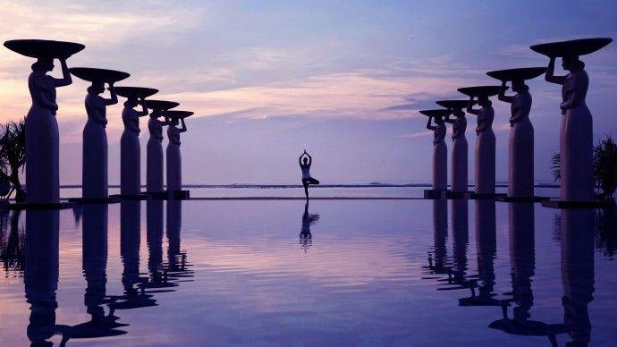Yoga bei Sonnenuntergang in den The Mulia & Mulia Villas ***** auf Bali in Nusa Dua #muliamulia #bali #yoga #nusadua #sonnenuntergang