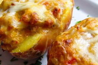 Pečené zemiaky plnené bryndzou. Ľahké, rýchle a chutné!