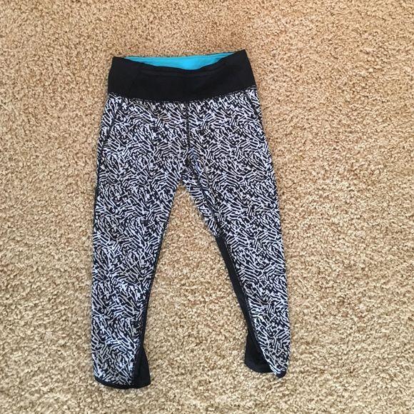 d35241ab09 LULU LEMON crop leggings Cropped lulu leggings black and white pattern lululemon  athletica Pants Jumpsuits & Rompers   My Posh Picks