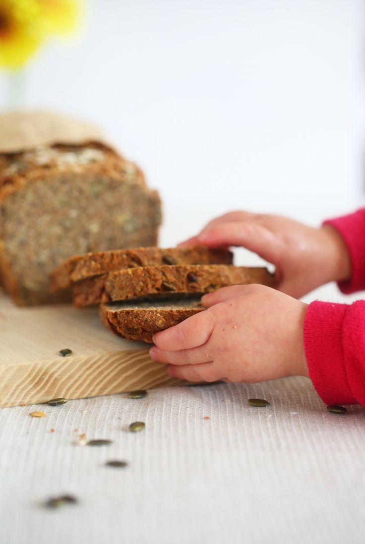 FIVE SEED SOURDOUGH - the easiest most delicious bread ever! No knead, wheat free, yeast free, dairy free, egg free, sugar free, vegan, healthy, rye bread, begoodorganics