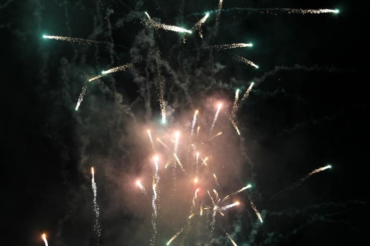 Iluminando el cielo de Candeleda en #Gredos  www.lunacandeleda.com