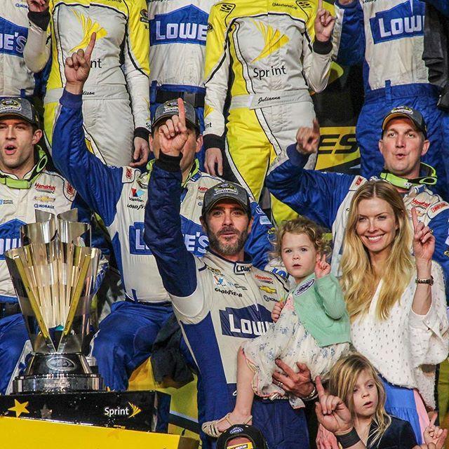 1️⃣, 2️⃣ ... 7️⃣ WOO!  #NASCAR #FordChampWknd #TheChase #HomesteadMiami #JimmieJohnson #se7en