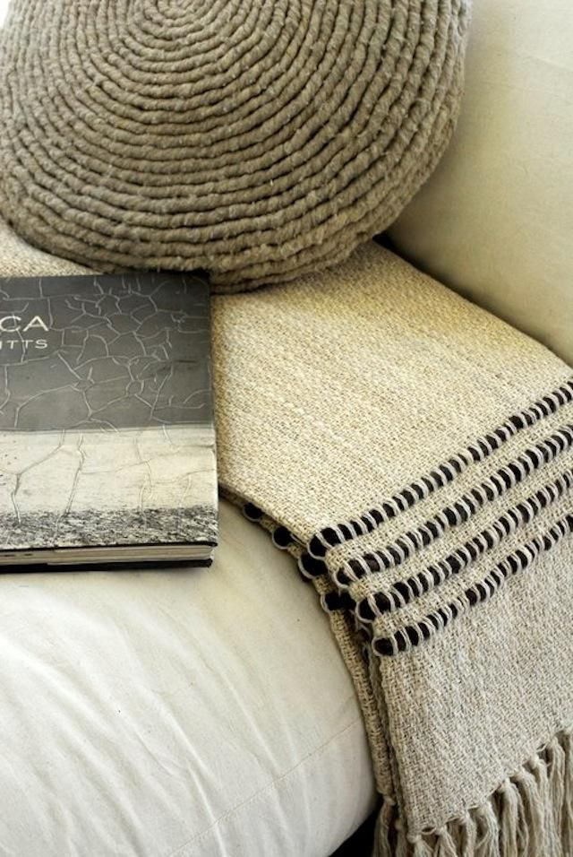 linen crochet pillow: love the weft 'contrast' on the woven throw!!