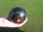 How to buy a set of lawn bowls
