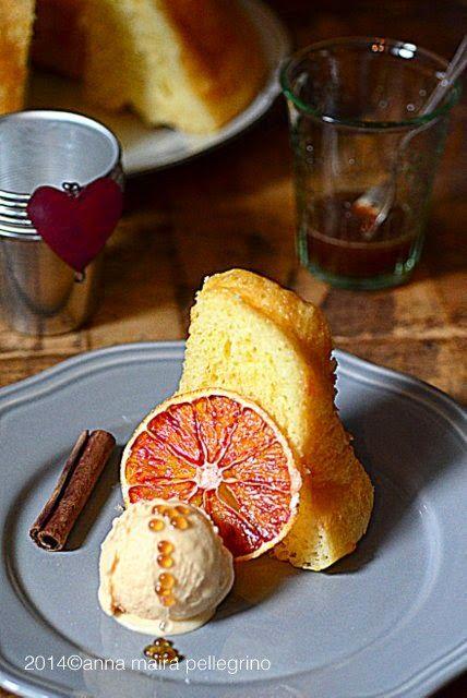 Babà con gelato di arancia e cardamomo e caviale di caffè