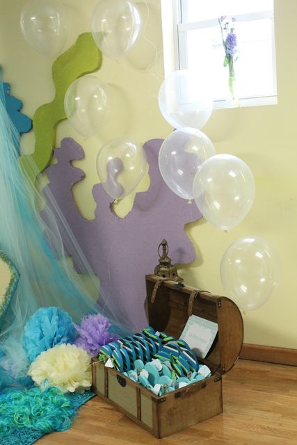 The coral reefs and the clear balloons are a must for my daughter's first birthday