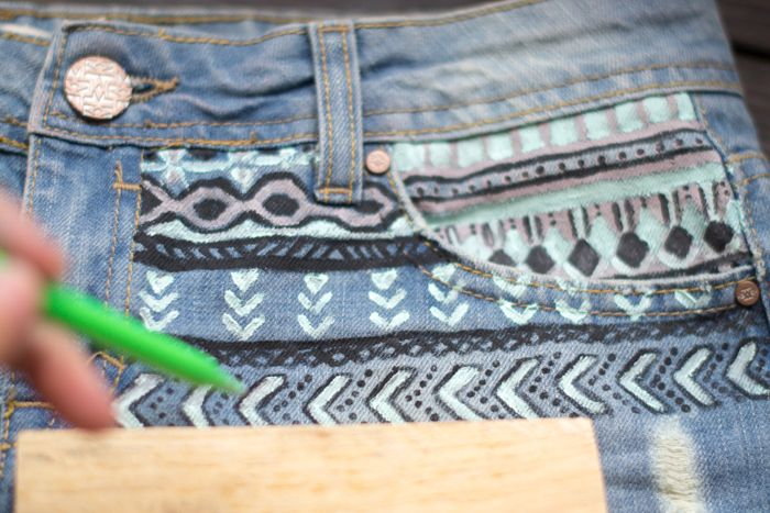 Diy, short con estampado tribal pintado con chalkpaint | Hadas y Cuscus