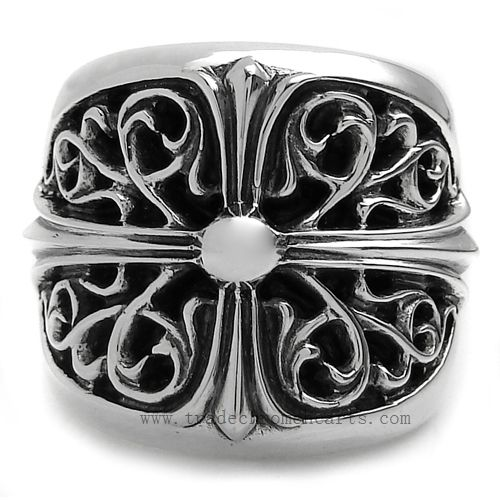Chrome Hearts Classic Music Oval cross Silver Ring Music Oval cross style ring 2013 hot sale Show off your unique personality with this CHROME HEARTS fantastic ring on sale!! Here comes a cool ring with bold Magnificent carved for you!! It has a fabulous design and you can feel the craftsmanship of CHROME HEARTS top fashion!! Spec. * Length: 25mm * Thickness: 215mm http://www.tradeschromehearts.com/chrome-hearts-ring-classic-music-oval-cross-silver-cheap-p-272.html