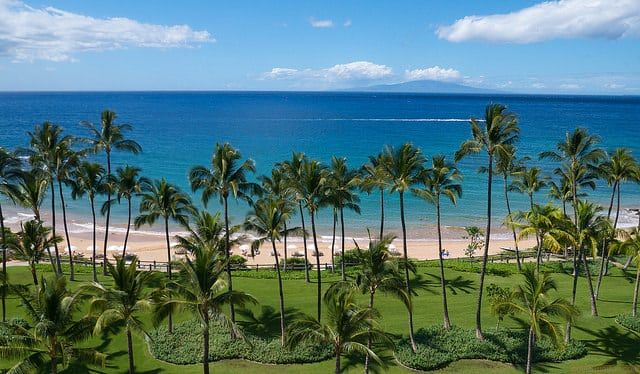 Different climates of Hawaii: rain, sun, clouds, temp, and averages.